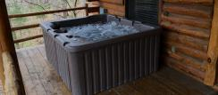 Enjoy the Nature View and Hummingbirds when in Season, Outdoor Hot Tub Cabin in Eureka Springs, Arkansas
